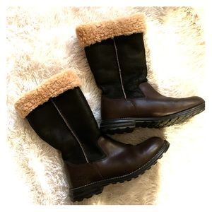 Ugg Australia size 10 brown sheepskin boot